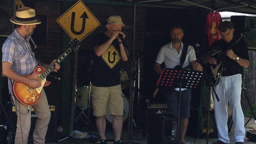 U-Turn live at The George Hurst Green